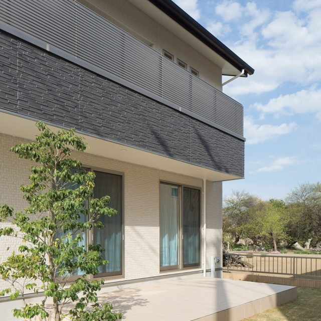 屋根一体型太陽光のお家